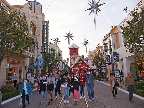 Holiday 2018 at The Grove in Los Angeles
