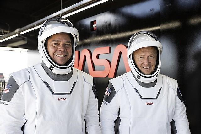 Bob Behnken, left, and Doug Hurley. Image via SpaceX.com