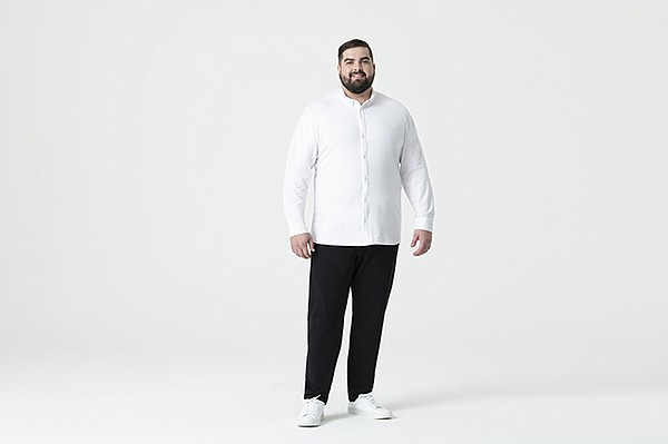 Swet Tailor turned to pro football players to inspire its line of contemporary, comfortable clothes.