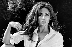 Jennifer Lopez the Next Face of Guess Jeans