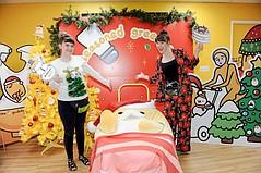 Gudetama Santa Takes a Bow
