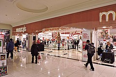 Macy's Plan Calls for New Direction and Closing 125 Stores