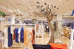 Sharing Its L.A.-Inspired Eco Approach, Bella Dahl Pops Up at Selfridges in London