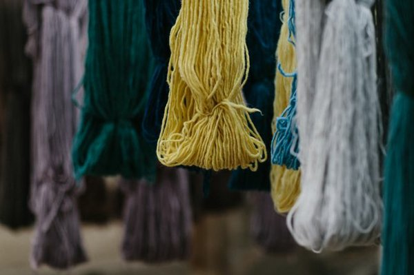 A still image from Alternative's video on natural dyes.