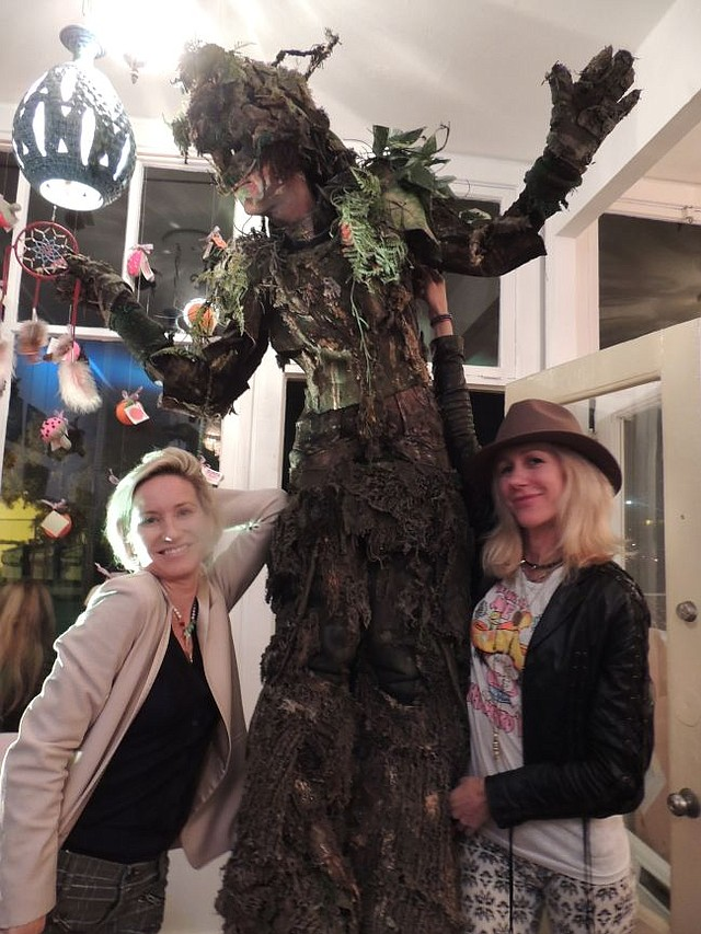 The Tree Man of Venice, with Neely Shearer of In Heroes We Trust, right and Jane Garnett.