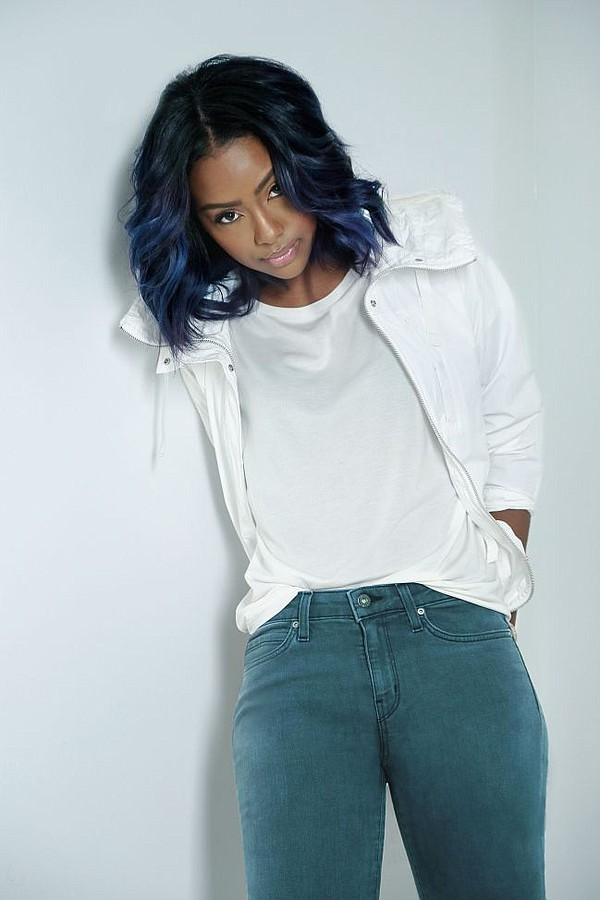 Justine Skye, a singer/songwriter, in Uniqlo's Made In LA jeans. Image courtesy Uniqlo.