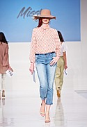To The Way top, Sound Style by Beau Dawson jean, Crisara hat
