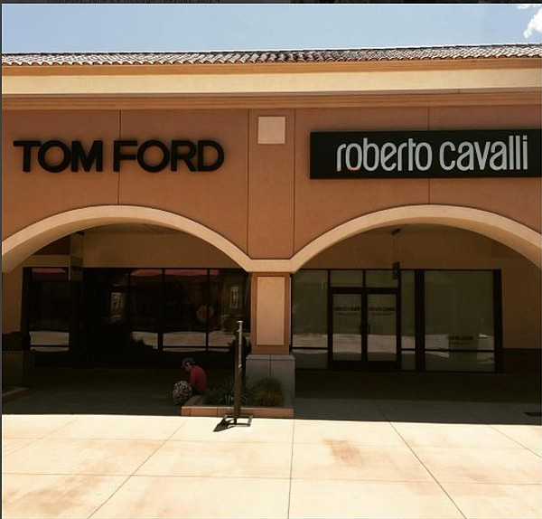 Exterior of Tom Ford and Cavalli boutiques at Desert Hills Premium Outlet. Image via deserthillspo Instagram account.
