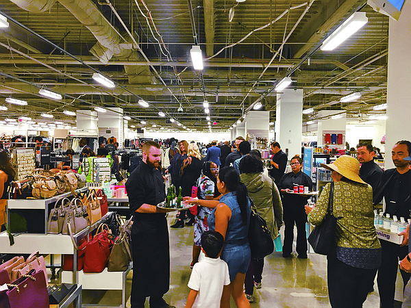 PREOPENING: Nordstrom Rack held a shopping event at its Figat7th store on Oct. 25. (Photos by  Javier Guillen)