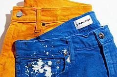 棉市民给牛仔裤带来阵阵色彩