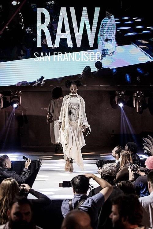 Photo: RAW