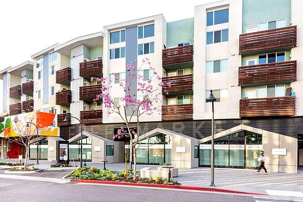 自由市场Playa Vista将于5月1日为零售中心和品牌孵化器,为21,000平方英尺的空间,旋转各种时尚品牌,餐饮和酒吧体验和文化设施。图片:自由市场